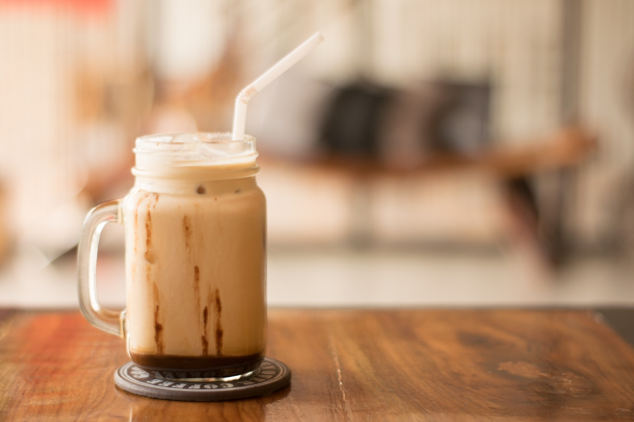 coffee drinks, coffee recipes, diy, make yourself, coffee, iced coffee, lattes, frappuccino, smoothie, college recipes, college life